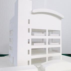 校舎の模型を作ってます!