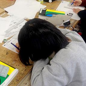 ビジュアルデザイン科は冬期集中講座「レタリング検定対策講座」を行いました。