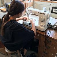 革の工房でインターンシップ